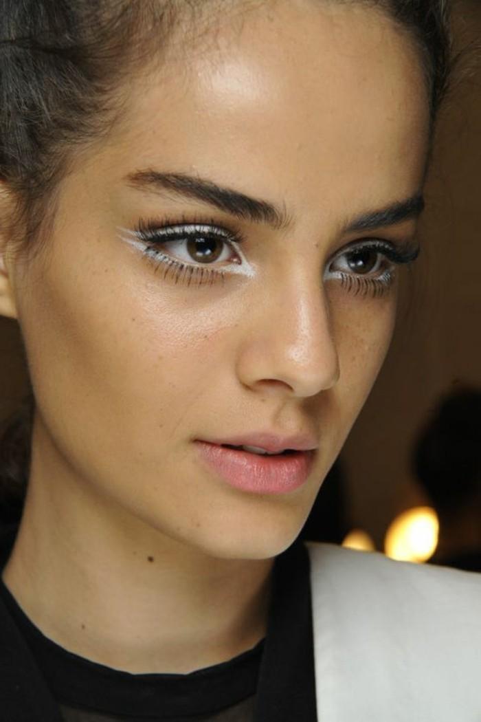 0-technique-de-maquillage-en-blanc-apprendre-a-se-maquiller-maquillage-pro
