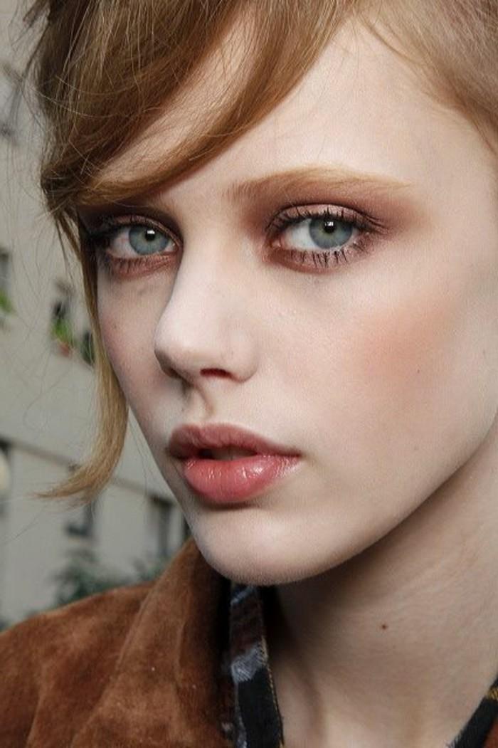 00-maquillage-naturel-no-make-up-look-pour-yeux-bleus-veste-en-velour