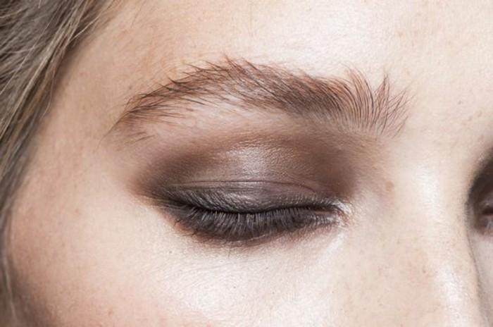 0000-fard-a-paupiere-yeux-vert-ombre-en-marron-doré-idee-maquillage