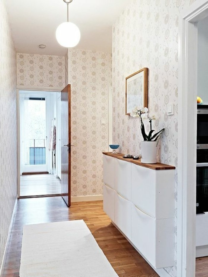 03-Papier peints pour couloir. Couleur blanche.