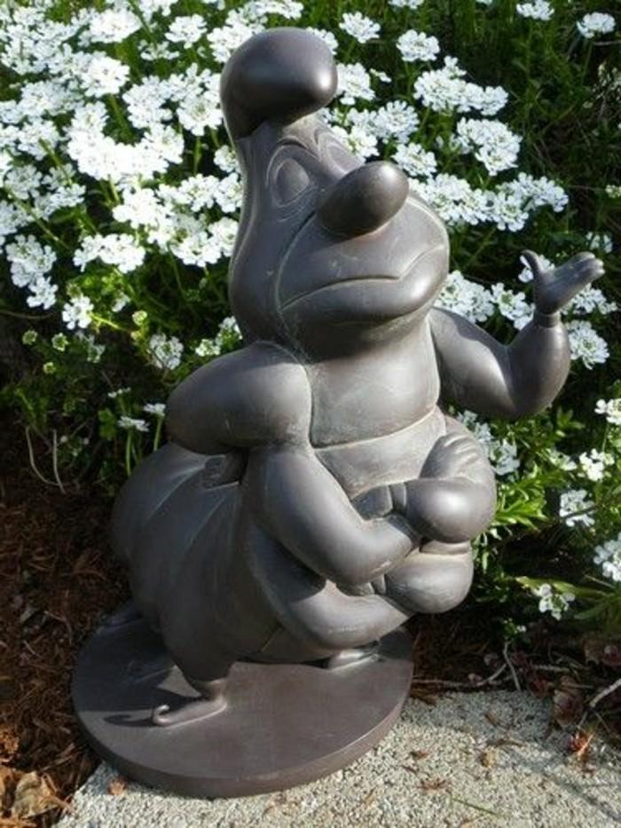 03-dans le jardin - decoration Disney