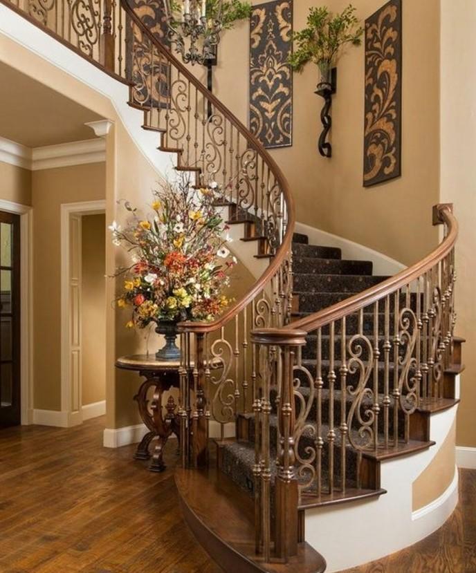 escalier-moderne-design-élégant-esthétoqie-joli-design-rambarde-escalier
