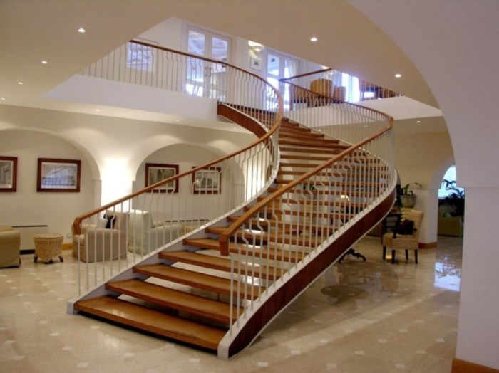 escalier-moderne-escalier-design-élégant-convenable-pour-une-grande-maison