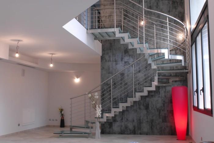 escalier-moderne-idée-escalier-esthétique-pour-une-maison-à-la-mode