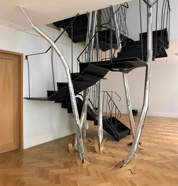 escalier-moderne-sophistiqué-escalier-design-original-en-noir