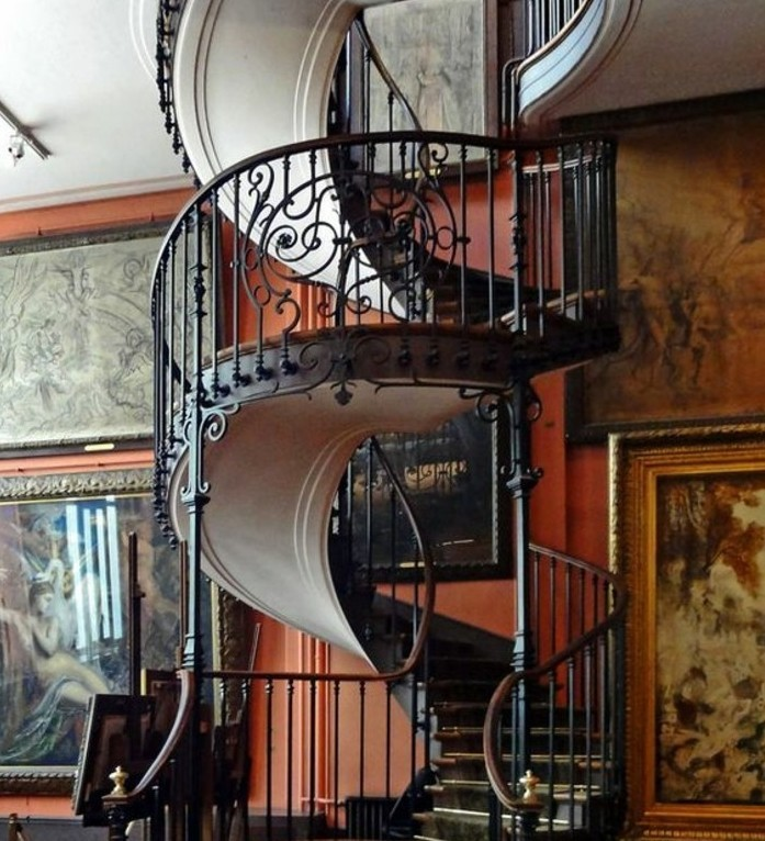 idée-escalier-très-originale-marches-en-bois-garde-corps-en-fer