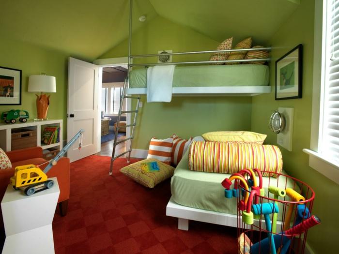 idee-peinture-chambre-enfant-en-vert-tapis-et-fauteuils-rouges-qui-créent-un-joli-contraste