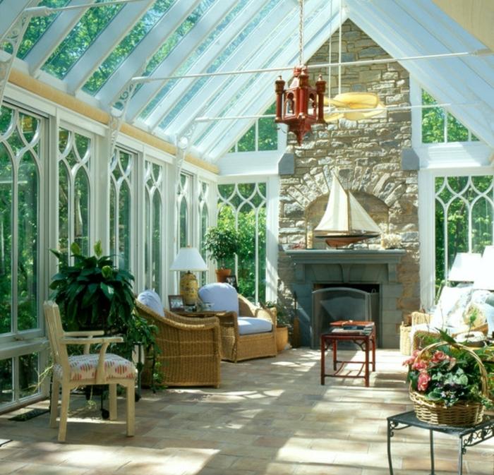 jolie-verrière-extérieure-veranda-très-lumineuse-aménagement-esthétique-idee-sol-veranda-en-carrelage
