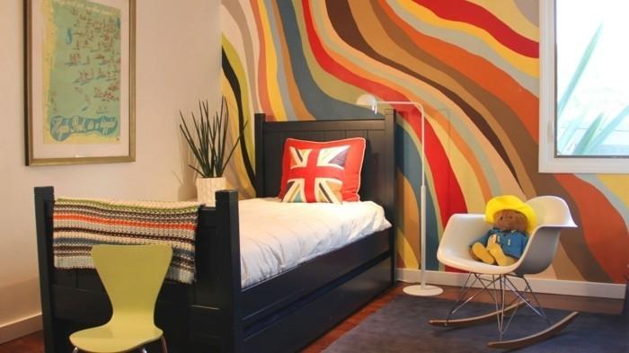 peinture-chambre-enfant-mur-couleur-ivoire-et-mur-multicolore-une-ambiance-enjouée