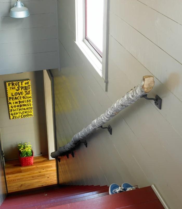 idee-deco-escalier-très-créative-rampe-escalier-représentant-une-branche-d'arbre-escalier-bois-style-maison-style-rustique