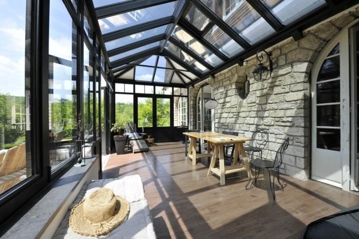 veranda-alu-verand-art-aménagée-en-bureau-couleur-noir-lignes-épurées