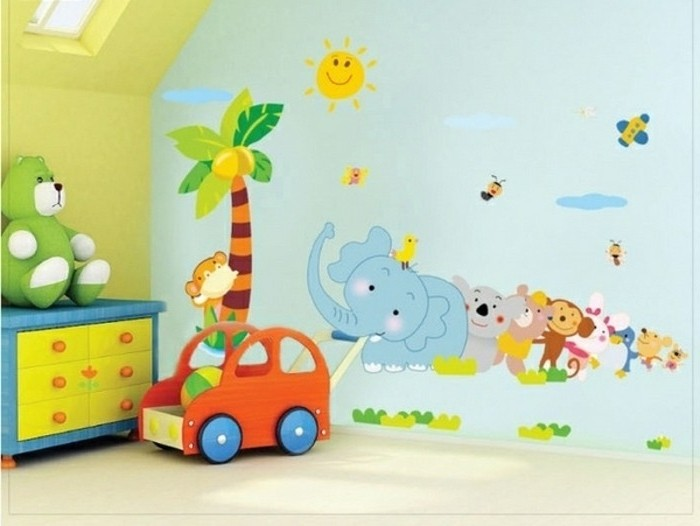 peinture-chambre-bébé-bleue-et-jaune-sticker-muraux-sur-le-thème-des-animaux-idée-déco-murale-mignonne