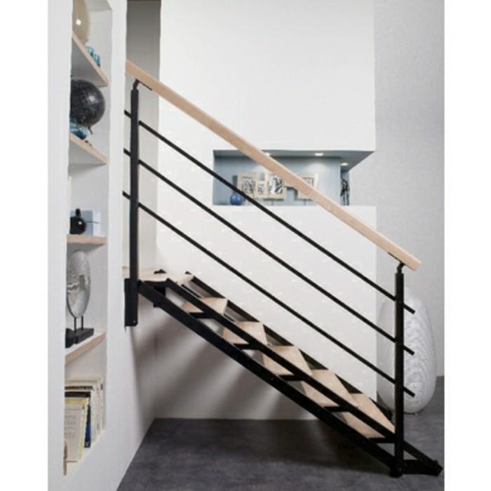 escalier-lapeyre-gain-de-place-idée-merveilleuse-adaptable-à-chaque-type-de-pièce-limon-double-en-acier-marches-en-sapin