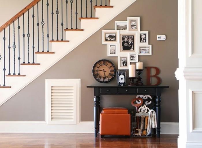 idee-deco-escalier-style-vintage-deco-murale-originale-avec-différets-objets-deco