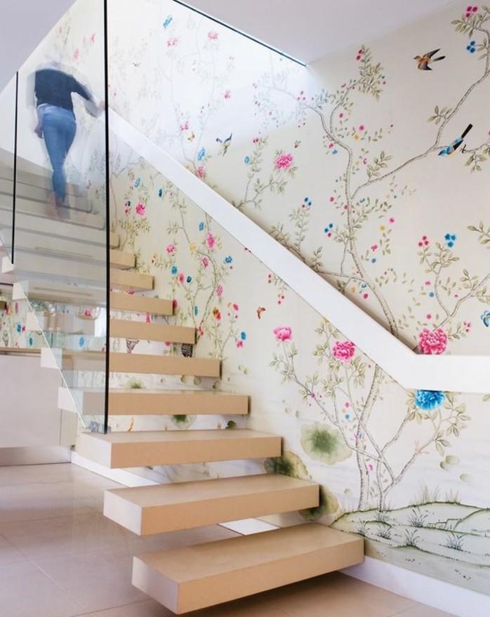 jolie-idee-deco-papier-peint-à-motifs-floraux-qui-rafraîchit-l-ambiance-escalier-suspendu