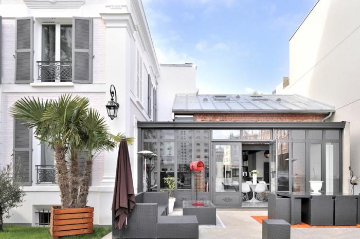 veranda entre deux murs. Black Bedroom Furniture Sets. Home Design Ideas