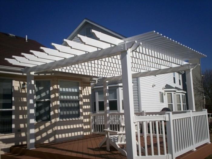 pergola-terrasse-blanche-très-esthétique-dans-un-style-sobre