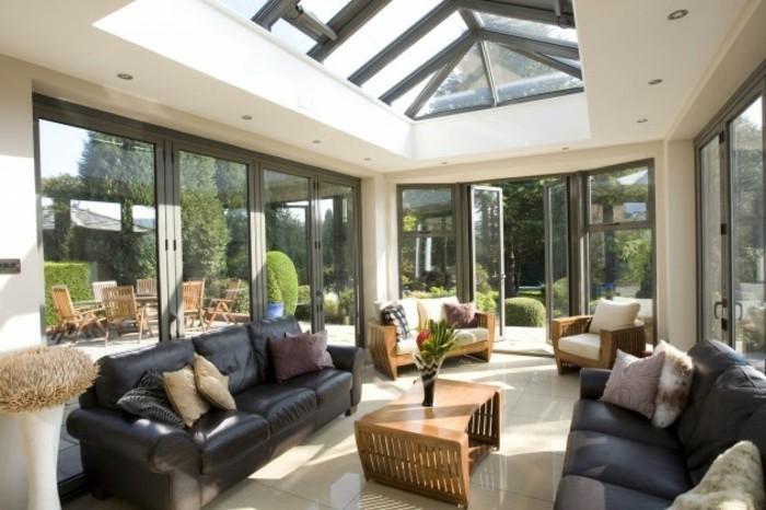 veranda-moderne-à-toit-et-murs-vitrés-deco-veranda-contemporaine