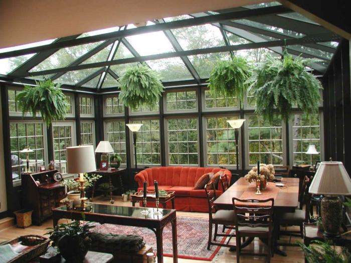 veranda-moderne-et-vintage-à-la-fois-parois-et-tout-veranda-en-verre-une-veranda-salon-aménagé-avec-beaucoup-de-goût