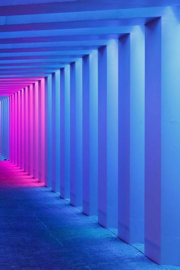 26-Papeir peint pour couloir en bleu et en rose