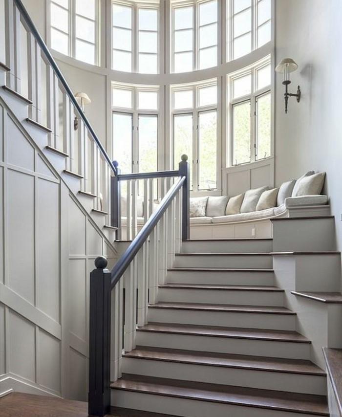 L 39 escalier moderne en 110 photos magnifiques for Escalier demi tour avec palier