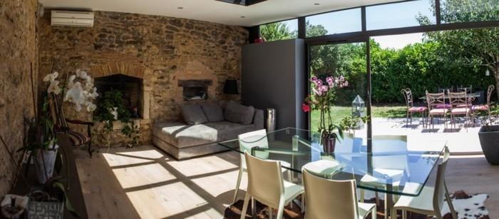 intrieur-veranda-alu-haut-de-gamme-veranda-design-contemporain-dôme-vitré-toiture-plate