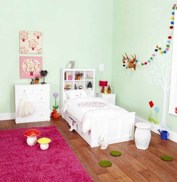 superbe-suggestion-pour-votre-petite-princesse-deco-chambre-fille-vert-clair-très-jolie-déco-murale-tapis-rose