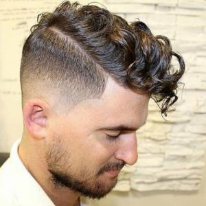 63 astuces pour les hommes aux cheveux frisés. Les coiffures de 2017!