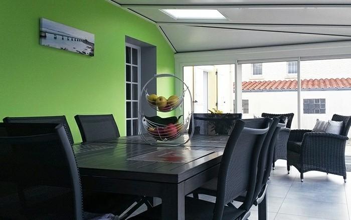 akena-veranda-aluminium-grise-veranda-usage-salon-séjour-style-moderne