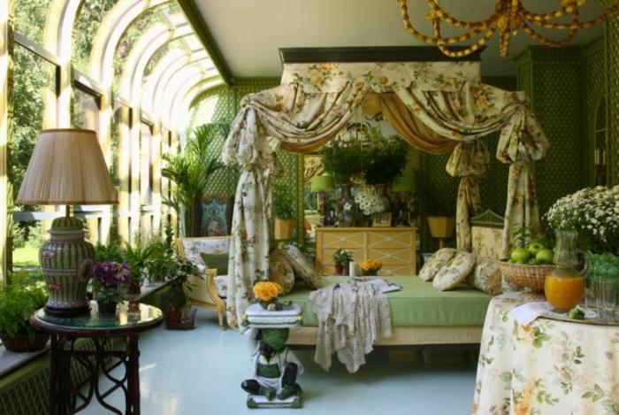 amenagement-veranda-en-chambre-à-coucher-soptueuse-design-vintage-sophistiqué-lit-à-baldaquin