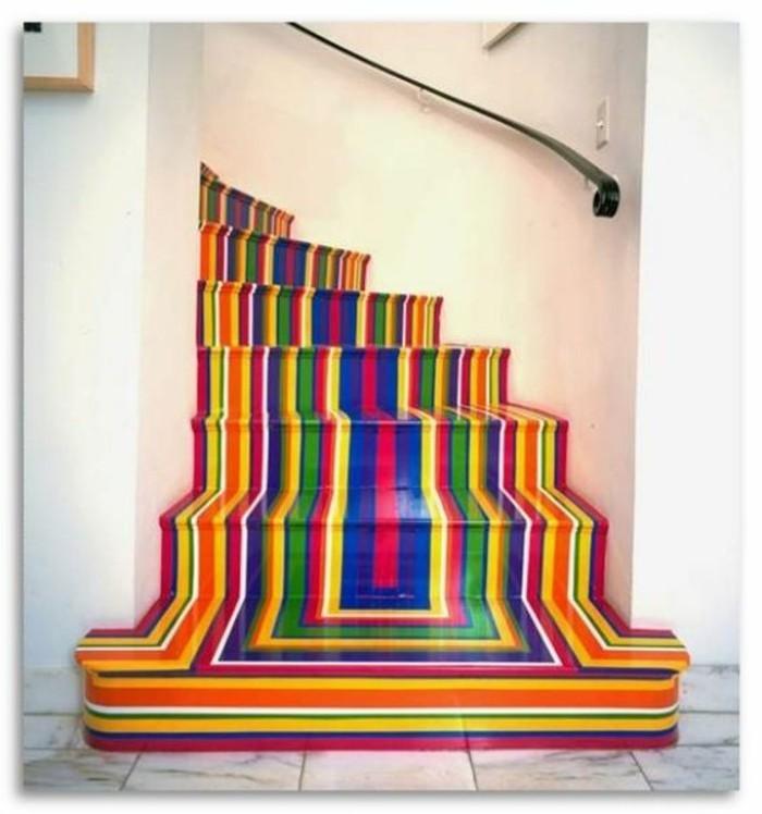 deco-escalier-multicolore-à-rayures-ambiance-enjouée-artistique-un-joli-accent