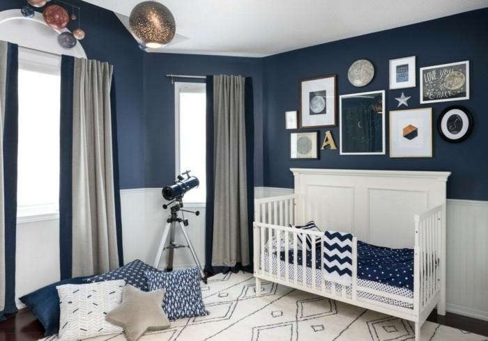 formidable-deco-chambre-bebe-garcon-peinture-chambre-bebe-bleue-jolie-déco-chambre-bebe-inspirée-du-thème-du-ciel-et-des-astres