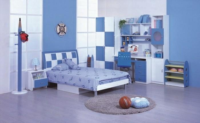 peinture-chambre-enfant-en-blanc-et-bleu-lit-bureau-espace-de-rangement
