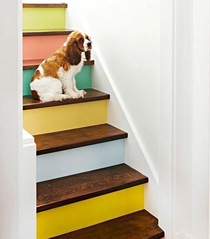 peinture-escalier-bois-à-différentes-couleurs-teintes-pastel