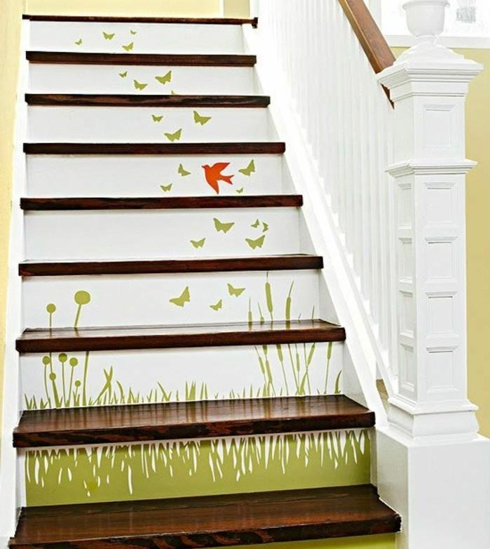 peinture-escalier-bois-à-motifs-floraux-renovation-escalier-formidable