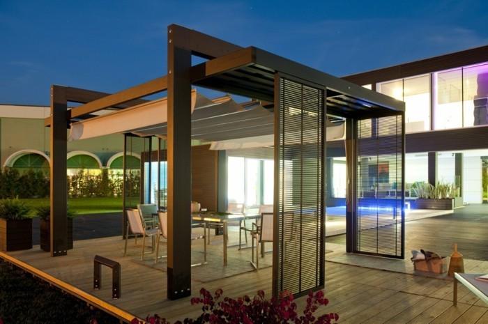 pergola-en-bois-autoportée-desgin-élégant-convenable-pour-un-jardin-moderne