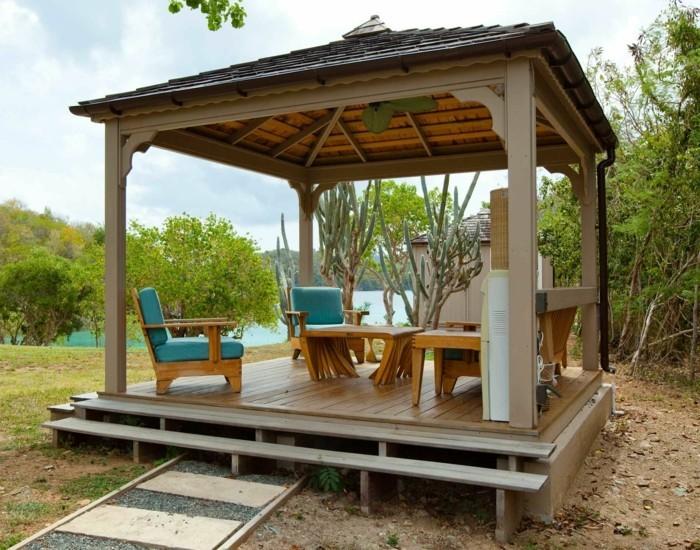 pergola-en-bois-type-gazebo-faite-pour-accueillir-un-espace-de-détente