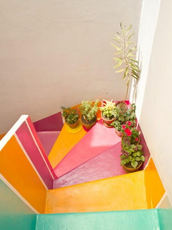 renovation-escalier-repeindre-un-escalier-en-différentes-couleurs-ambiance-enjouée