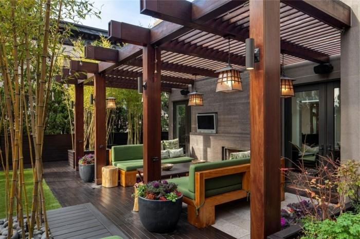 superbe-suggestion-pergola-adossée-à-une-maison-moderne-abri-pour-un-espace-détente-suspensions-très-esthétiques