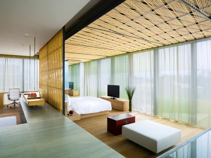 formidable-idee-deco-veranda-aménagée-en-chambre-à-coucher-style-simple-lignes-épurées