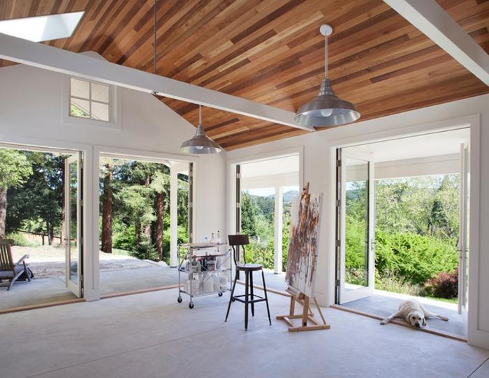 formidable-suggestion-extension-toiture-en-bois-amenagement-veranda-en-atelier-d-artiste-une-vue-à-couper-le-souffle