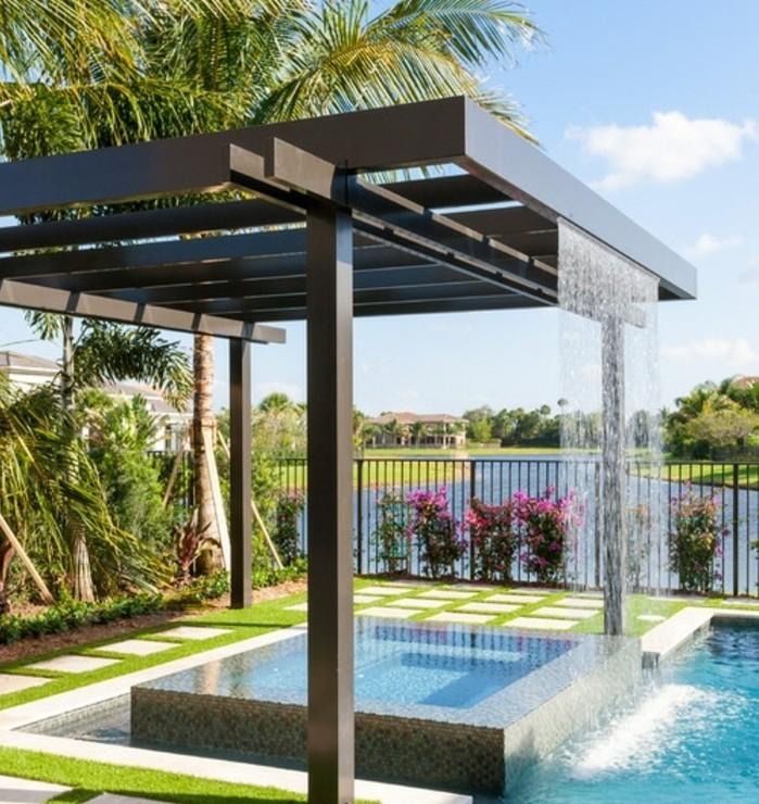 pergola-aliminium-chute-d-eau-intégrée-piscine-une-vue-sans-pareil