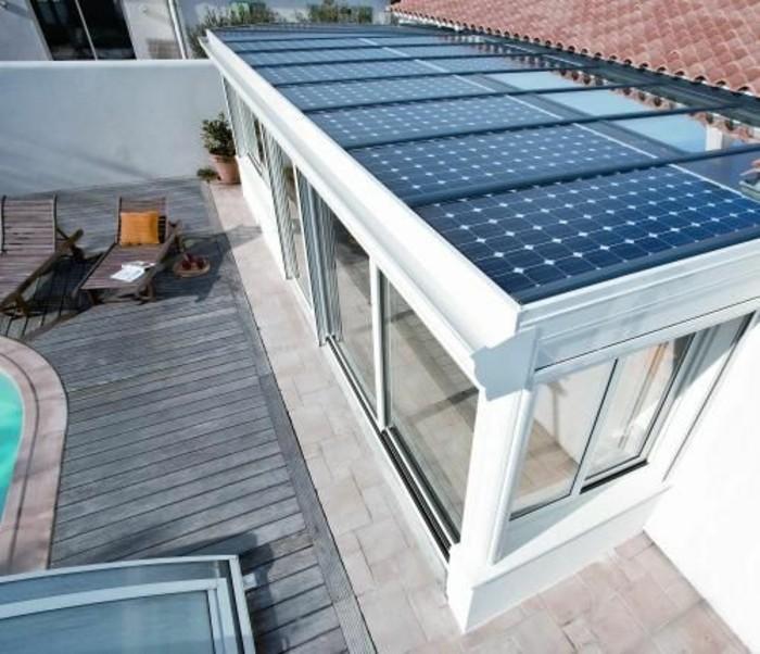 veranda-concept-alu-veranda-avec-des-panneaux-photovoltaiques-intégrés