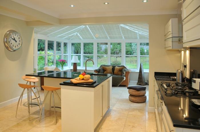magnifique-idee-deco-veranda-aménagée-en-salle-à-manger-traditionnelle-