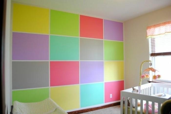 peinture-chambre-bébé-originale-mur-en-rectangles-de-différentes-couleurs-une-ambiance-enjouée