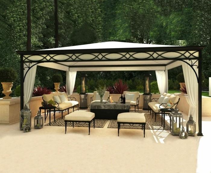 pergola-moderne-fer-forgé-noire-toile-pergola-qui-abrite-un-espace-détente-une-veritable-oasis-exotique