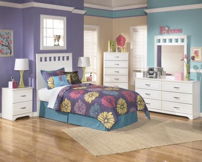 peinture-chambre-enfant-bleu-violet-et-jaune-meubles-blancs-une-explosion-de-couleurs