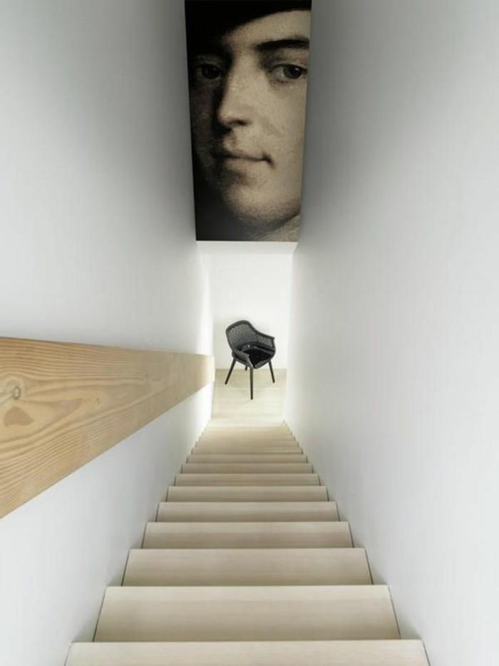 89-Tapisserie couloir. Une grande photo.