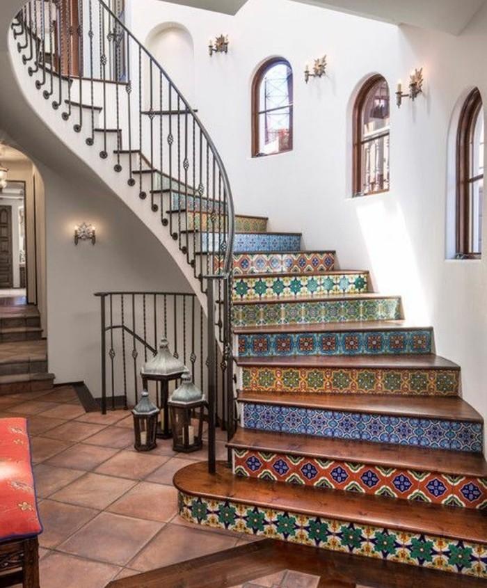 escalier-moderne-escalier-quart-tournant-marches-colorés-style-oriental