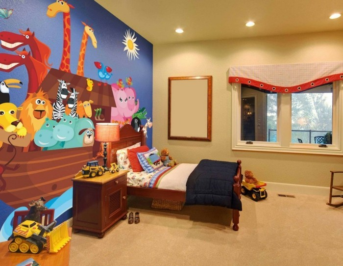 peinture-chambre-enfant-jaune-avec-un-mur-d-accent-bleue-avec-un-joli-dessin-d-animaux-ambiance-enjouée